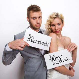 Photo Booth Props - Κάρτες για το photobooth:  I'm Married / I'm Very Married